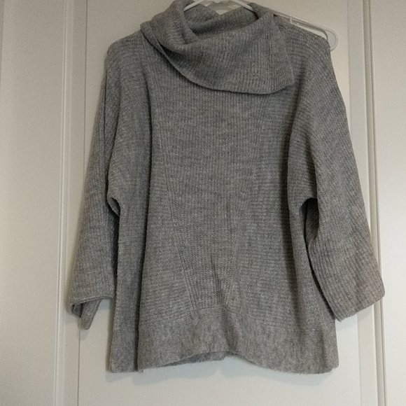 Neiman Marcus Sweaters - Neiman Marcus cowl neck sweater w cropped sleeve
